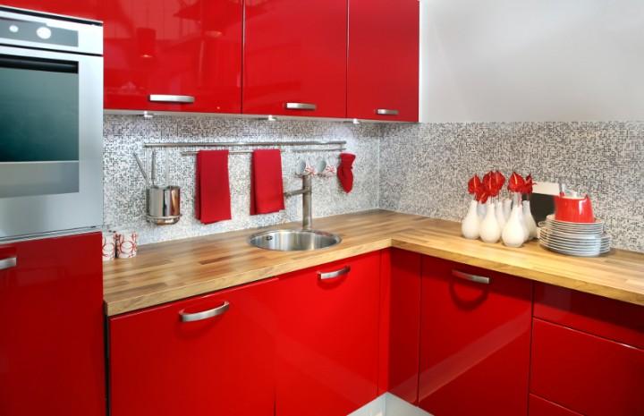 Spanish Kitchen Design Ideas With Red Color Marble ~ Sposobów na wykończenie ścian w kuchni Ściany remont